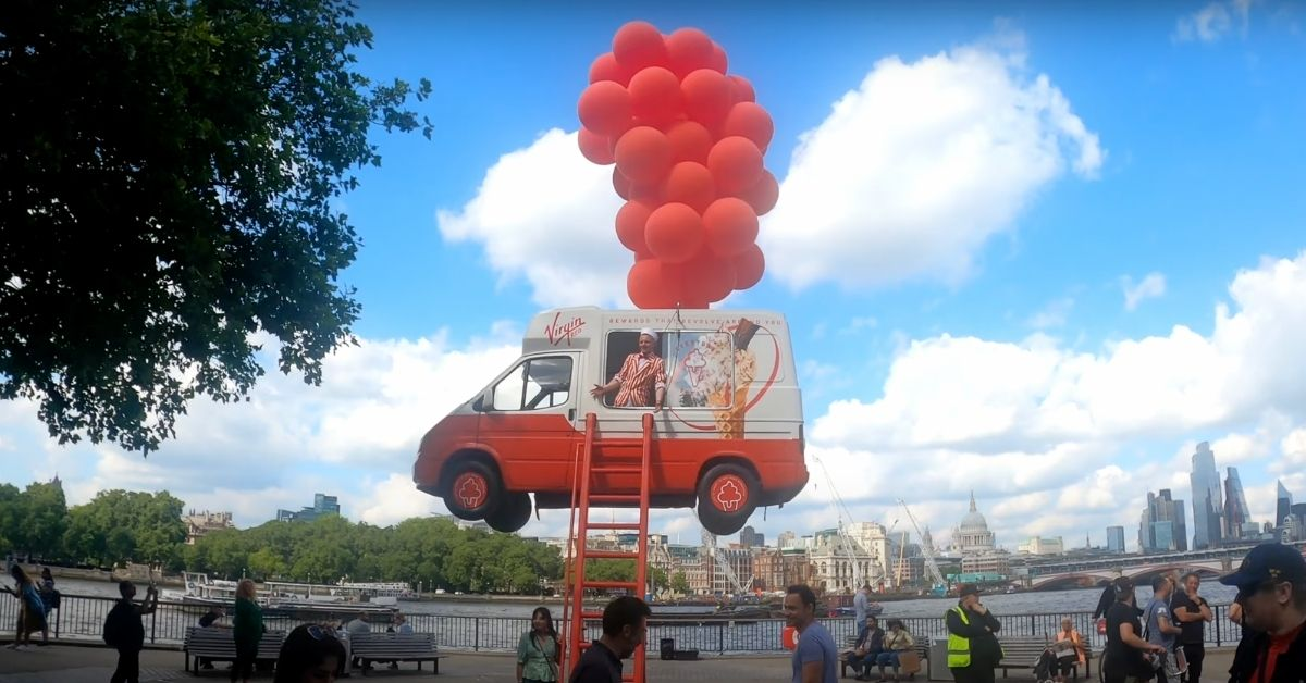 camion-glace-volant-virgin-red
